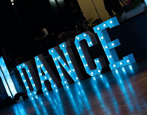 XXL LEUCHT-BUCHSTABE / ZAHL / HERZ / ZEICHEN, Dance